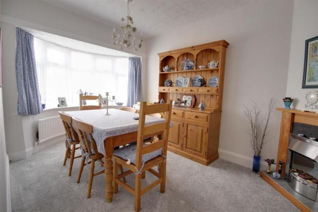 Bedroom 2/ Dining Ro