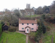 2 bedroom Detached home for sale in Newbourne, Suffolk