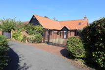 Detached Bungalow in Candlet Grove, Felixstowe