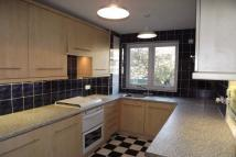 2 bedroom Flat to rent in Greenacres, London, SE9