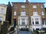 1 bedroom Flat in Eglinton Hill, London...