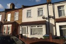 2 bedroom Terraced house in Kings Highway, London...