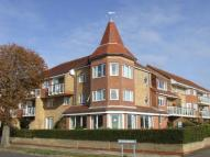Flat for sale in Frinton Lodge...