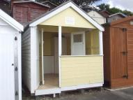 Chalet in Southcliff, Beach Hut...