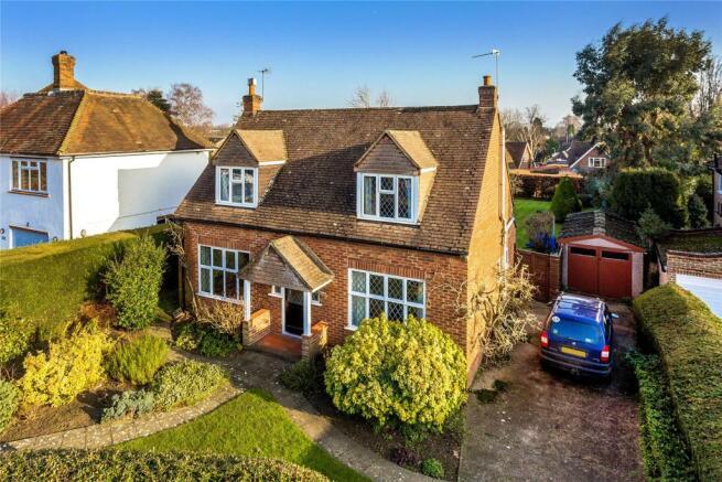 3 Bedroom Detached House For Sale In Woking Surrey Gu22 Gu22