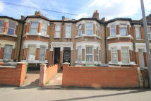 2 bedroom Flat in Leytonstone, London, E11