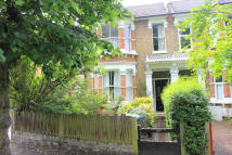 Flat in Bushwood, London, E11