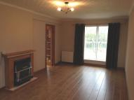 3 bed semi detached house in Bankwell  Crescent...
