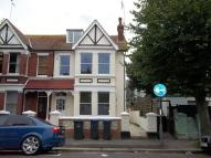 2 bed Flat to rent in Wyke Av, Worthing