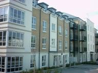 Apartment to rent in Knaphill Woking