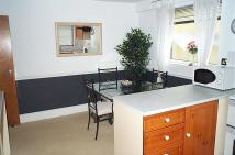 Flat to rent in Flat 1 352 St.Albans...