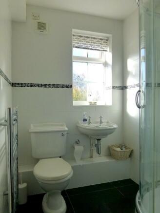 Downstairs Shower...