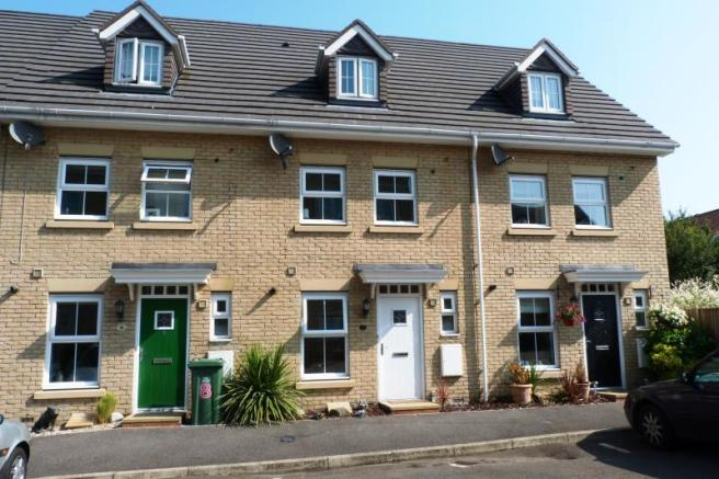 3 bedroom house for sale in steeple view basildon essex ss15 ss15 for 3 bedroom houses to buy in reading