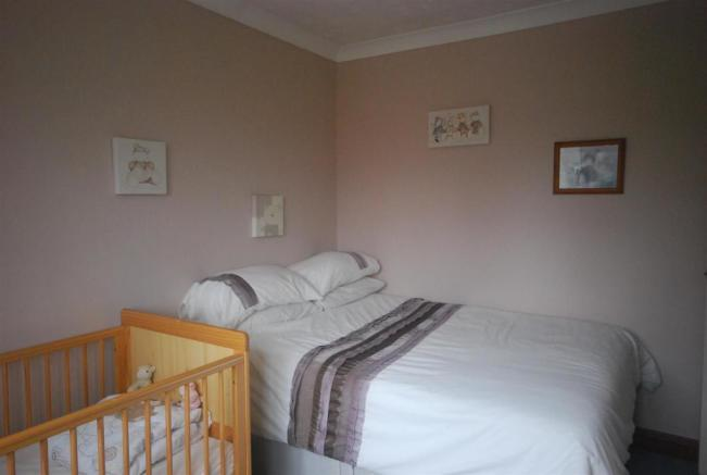 17 Welby Gardens Bed