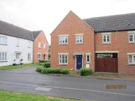 Link Detached House to rent in Adelante Close...