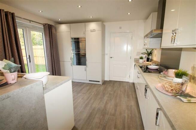 Kitchen/breakfast/family room