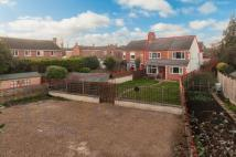 4 bed semi detached home in Thrapston Road, Finedon