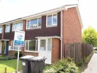 3 bedroom semi detached property to rent in Primrose Close, Flitwick