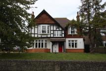 6 bedroom Detached property in Park Lane, Ratton...