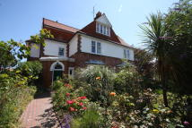 8 bed Detached house for sale in MILNTHORPE ROAD...