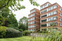 3 bedroom Flat for sale in Ray Mead Road, Maidenhead