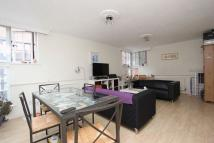 Town House to rent in St Georges Square...