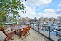 Apartment in Medland House, Limehouse...