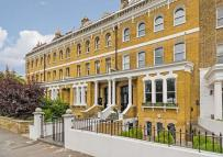 2 bedroom Apartment in Grove Hall, Greenwich...