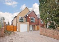 4 bed property in 4 bedroom Detached House...