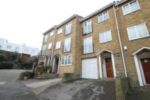4 bed Town House to rent in Boyd Close...