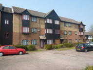 Flat to rent in LAINDON
