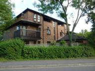 2 bed Flat in Courtney Park Road...