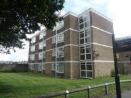 Flat to rent in Laindon, Basildon, SS15
