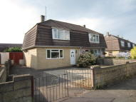 3 bed semi detached property in Queens Drive, Foxhill...