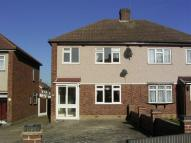 3 bedroom house in Rutland Drive, Hornchurch