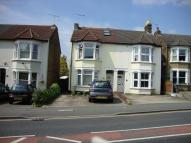 Flat to rent in Brentwood Road, Romford