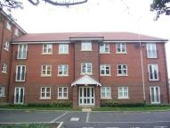 2 bed Flat to rent in College Court, Gidea Park
