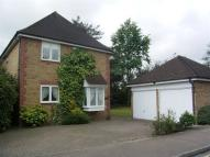 4 bed property in Pinecroft, Gidea Park