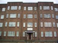 Flat to rent in Geddy Court, Gidea Park