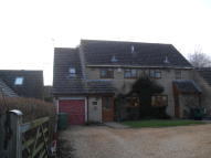 4 bedroom semi detached property to rent in Brackley Road, Croughton...