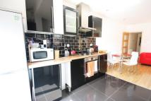 2 bedroom Apartment in St Saviours Road, Croydon