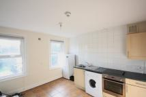 Studio flat in Coombe Road, Croydon