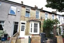 3 bed Terraced property in Mansfield Road...