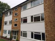 Ground Flat to rent in Caterham