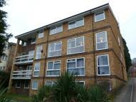 2 bedroom Flat to rent in Caterham