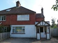 3 bed semi detached home to rent in Oxted
