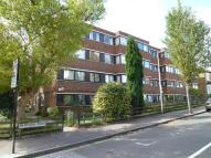 Ground Flat to rent in Woburn Court...