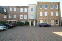 Apartment to rent in Moorcroft Park...