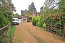 4 bedroom Detached home to rent in Warren Road, Ickenham...