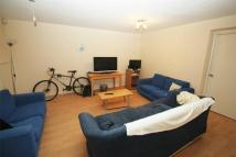 4 bed semi detached property to rent in New Road, Hillingdon...